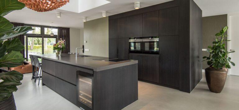 Wat zijn de voordelen van een nieuwe keuken op maat laten maken?